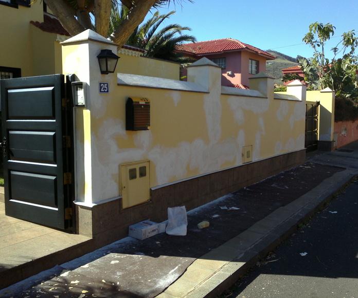 Trabajos de rehabilitación fachada vivienda, pintura exterior. La Laguna, Santa Cruz de Tenerife