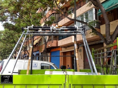 Montaje de puertas enrollables metálicas en kit