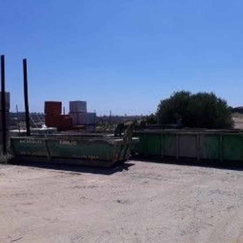 Contenedores: Productos de Materiales de Construcción Emilio
