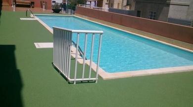 Caucho continuo en piscinas
