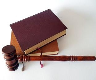 Qué debe de tener un buen abogado