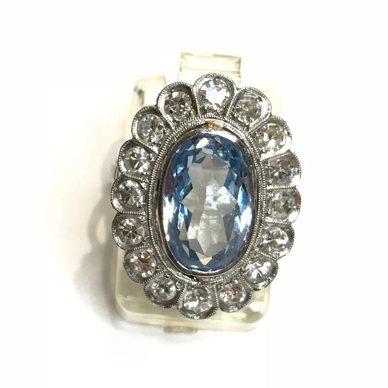 Sortija Sra. topacio azul y brillantes montada en platino .Ref A-10057: Catálogo de Antigua Joyeros