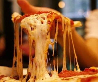 La policía actua de repartidor de pizza