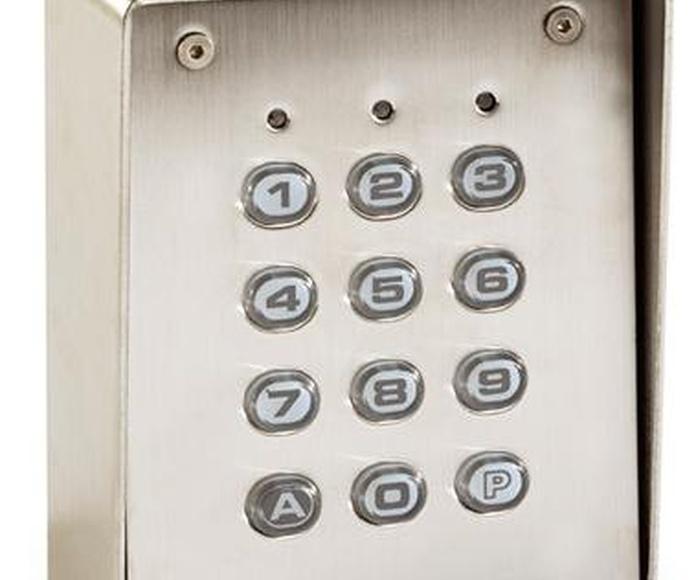 Apertura a través de teclado numérico