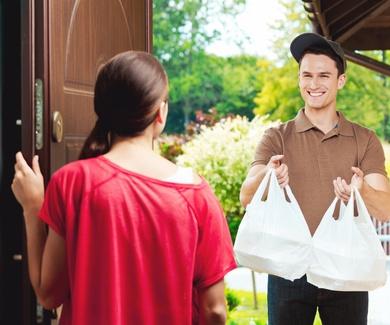 Servicio a domicilio y recogida en local.