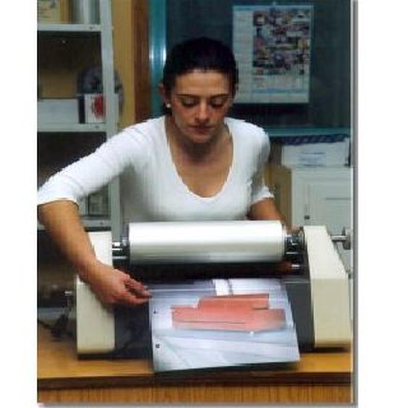 Plastificaciones y encuadernaciones: Servicios de Comercial Mari's