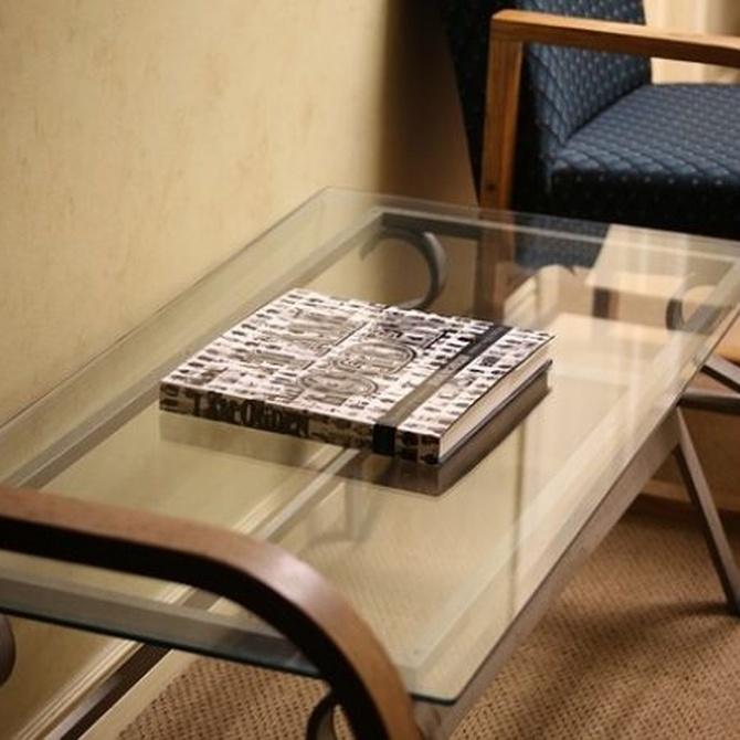 Trucos para limpiar las mesas de cristal