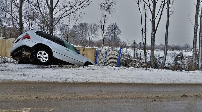 Catorce muertos en las carreteras el fin de semana