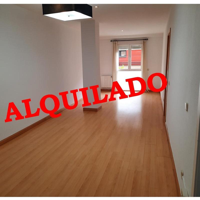 Piso en alquiler en C/. Granada (Retiro) 2 habitaciones, 2 baños, trastero:  de Vicente Palau Jiménez - Agente Inmobiliario