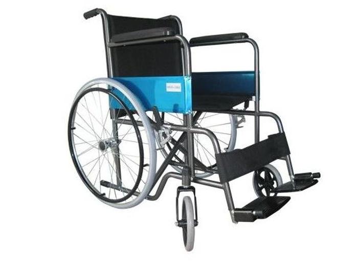 Silla de ruedas plegable y autopropulsable