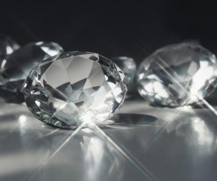 Diamantes: Servicios de Noble Oro