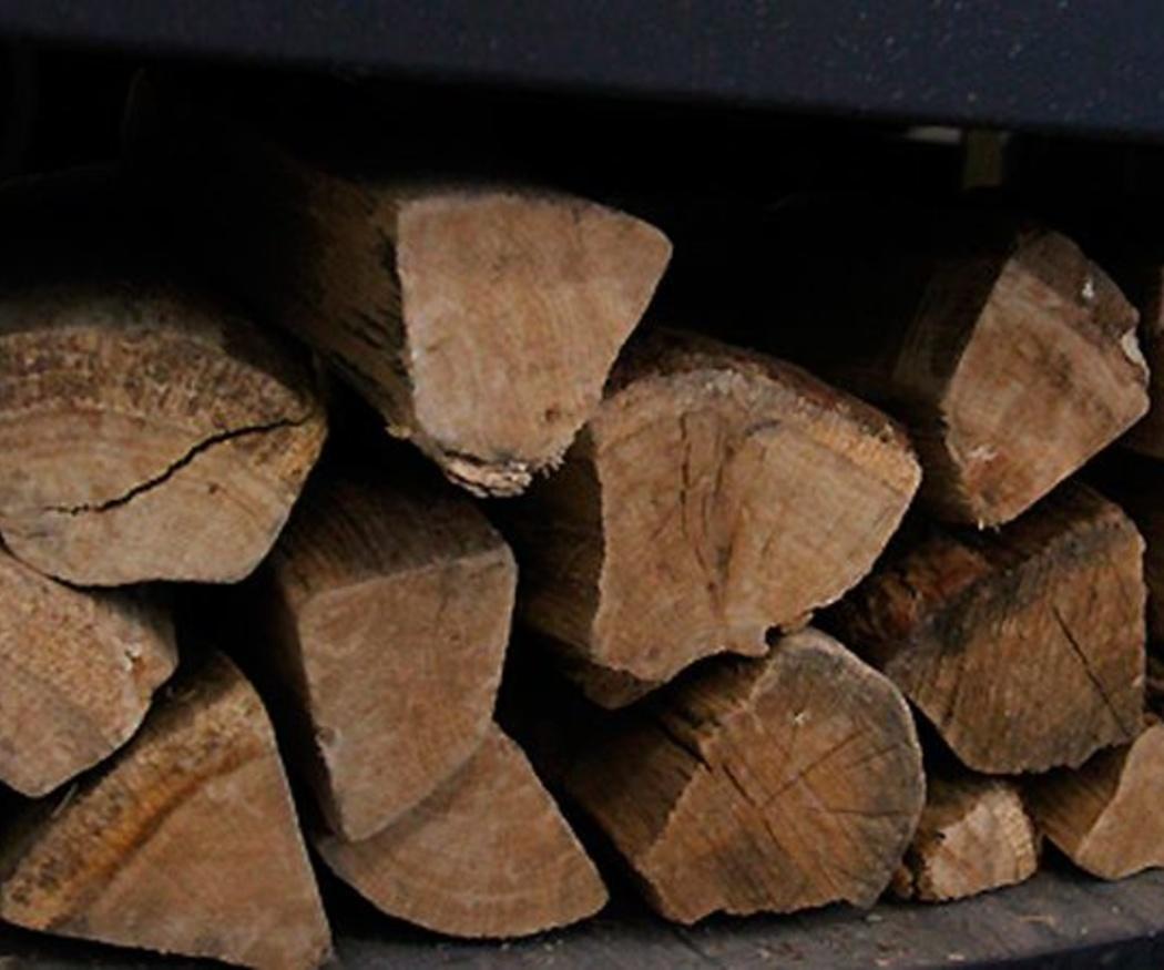 La forma correcta de conservar la leña de tu chimenea