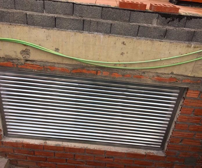 Regilla de ventilacion de acero galvanizado en obra nueva