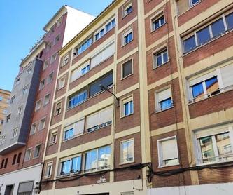 A. Via Hispanidad nº 123, Urbanización con piscina, 3 dormitorios, terraza :  de Fincas Goya