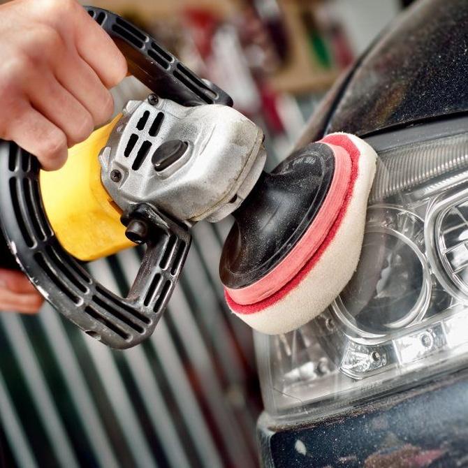 ¿Sabes cuándo hay que pulir los faros de un coche?