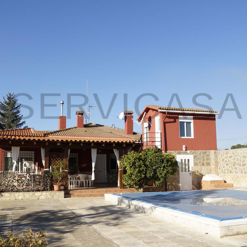 Chalets en venta  385.000€: Compra y alquiler de Servicasa Servicios Inmobiliarios
