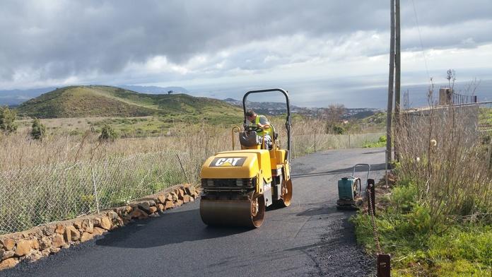 Maquinaria: Servicios de JGE Obras Civiles y de Edificación
