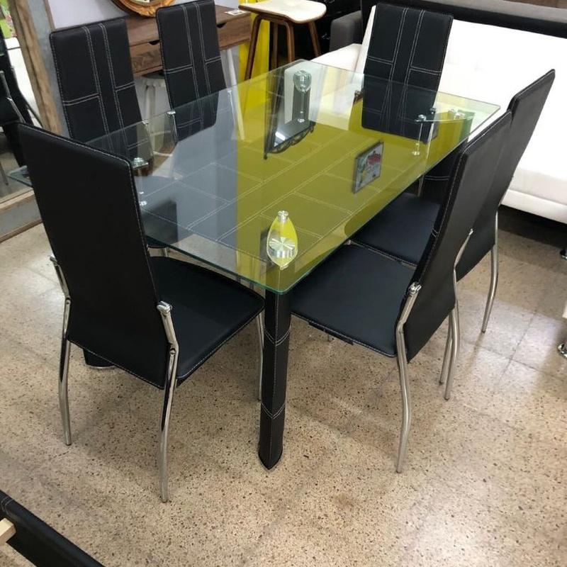 Mesa cristal y 6 sillas negras: Productos de Remar Castellón