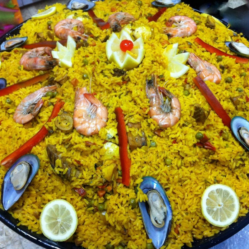 Paella de marisco: Pollo asado y comida casera de Asadero de pollos Jerusalén