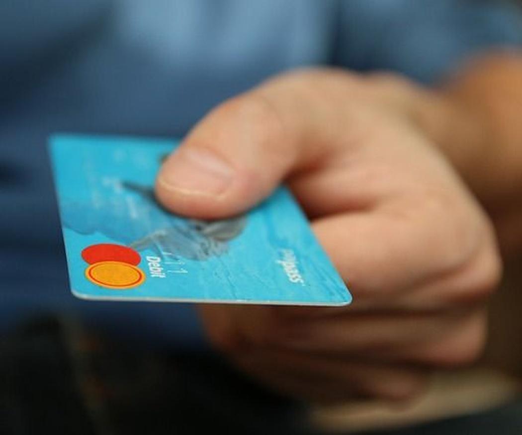 Las ventajas de pagar con tarjeta en un taxi
