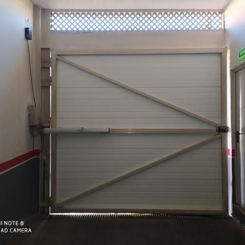 Reparación de puertas de garaje en Tenerife