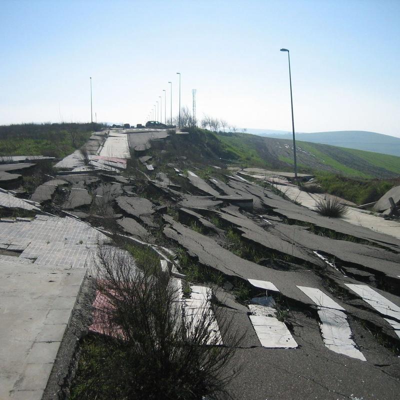 Deslizamiento de viales en P.I. El Olmo de Montoro (Córdoba)