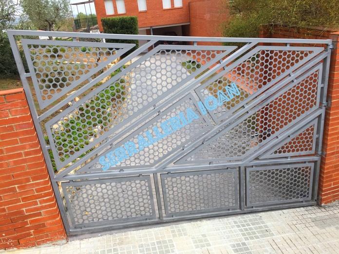 Puerta geométrica