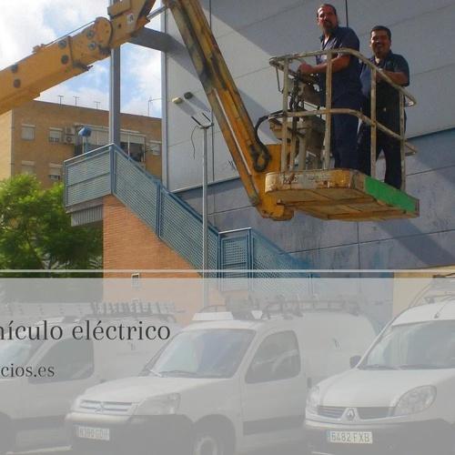 Instalación puntos recarga de vehículos eléctricos Sevilla | Acción Servicios