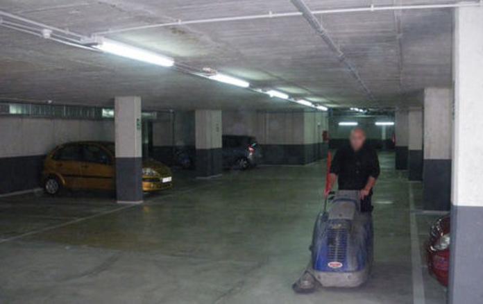 Limpieza de garajes: Servicios de Llemart Servei, S.L.