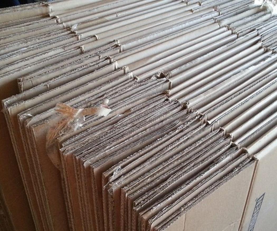 ¿Sabes que un eunuco chino inventó el cartón?