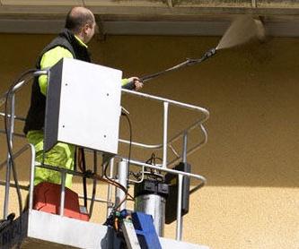 Eliminación de polvo en paredes, techos y salidas de a/a: Servicios de Girona Neta, S.L.