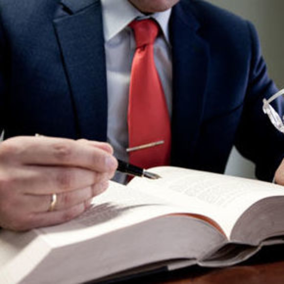 Jurídico: Servicios de Esteban Ramos y Asociados