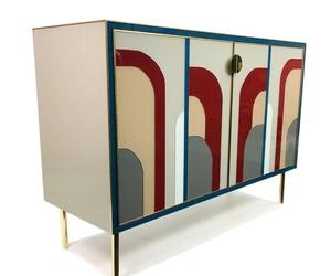 Mueble con vidrios decorados. Cristalería Formas