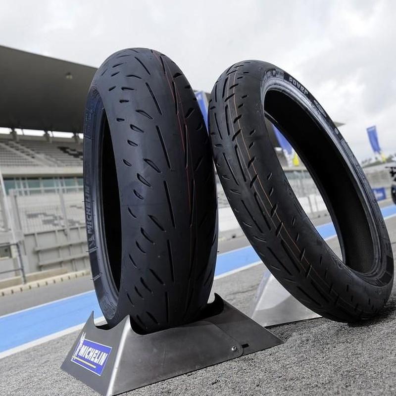 Cambio de neumáticos: Nuestros servicios of Motoinsitu