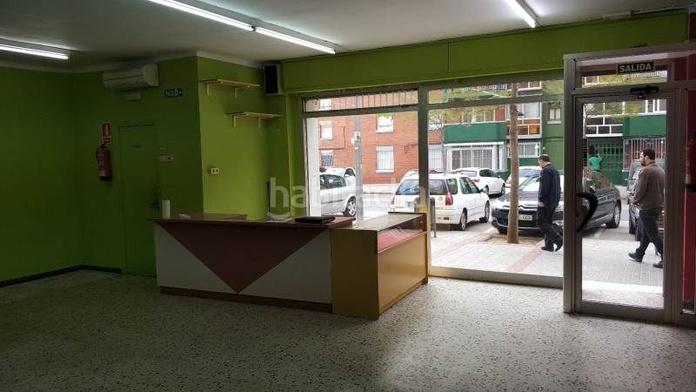 Local comercial a dos calles en La Roureda Sabadell: Inmuebles de Sabadell Gestió 2018