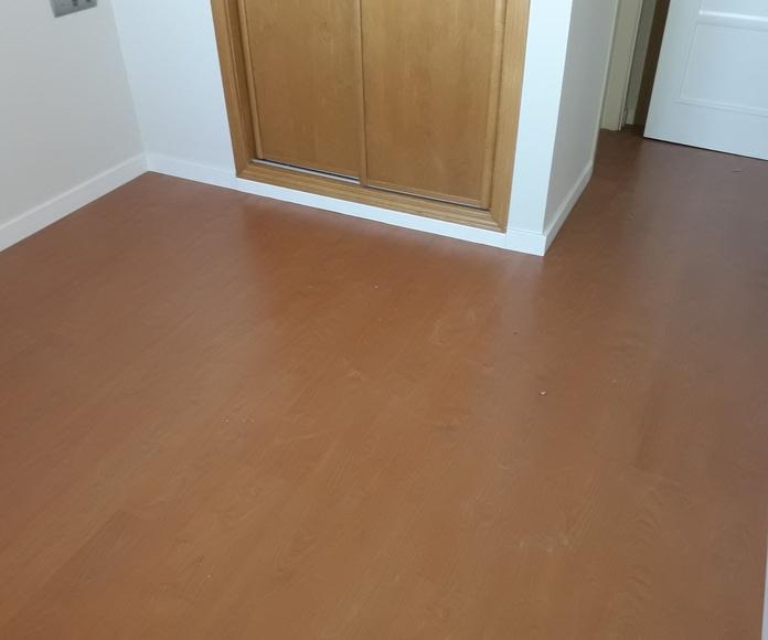 Instalación de Suelo Laminado AC4 fabricado por FINSA. Instalador de tarimas y suelos laminados en Marbella
