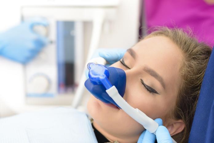 Cirugía oral y maxilofacial: Tratamientos de Clínica dental Vall Hebrón