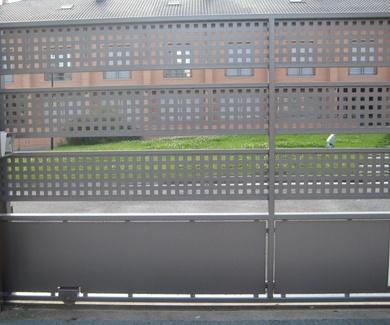 Puertas metálicas de garaje en Vitoria