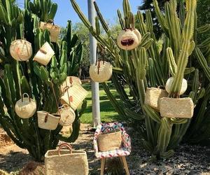 estas artesanales,redondas , grandes , mini ,con cierre de cuero , asas de cuero , cestas cuadradas , bandolera .