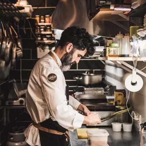 Nuestro Chef Alejandro Bohorquez