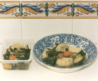 Ensalada Mixta(lechuga,tomate,atun,maiz): Nuestros platos de La Olla