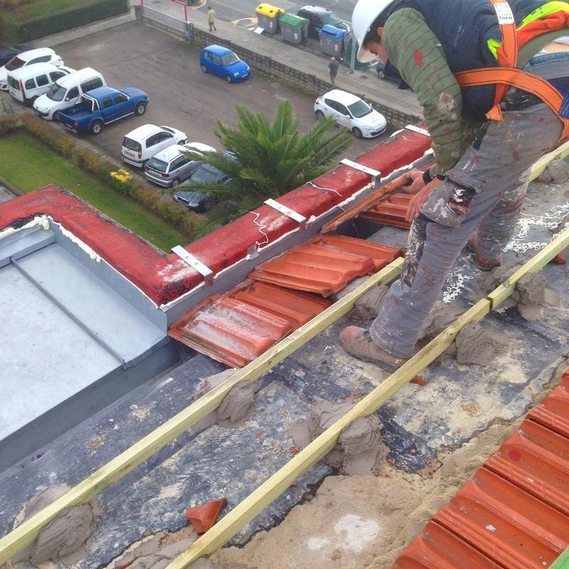 Reparación de tejados e impermeabilización de cubiertas en Santander.