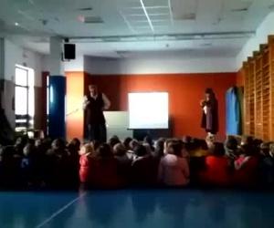 "Luigi interpreta el aria ""Dalla sua pace"" de la Ópera de Mozart, Don Giovanni"