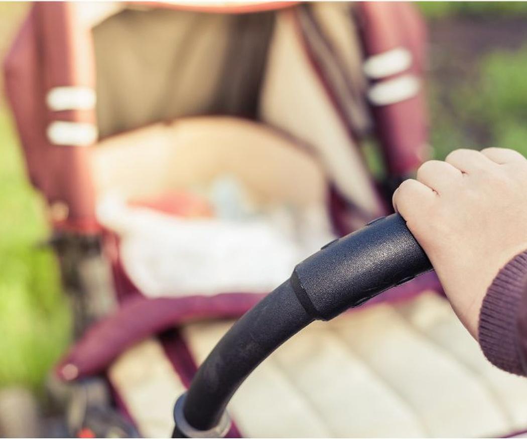 ¿Qué tiene que tener un carrito de bebé?