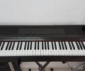 Piano eléctrico Roland