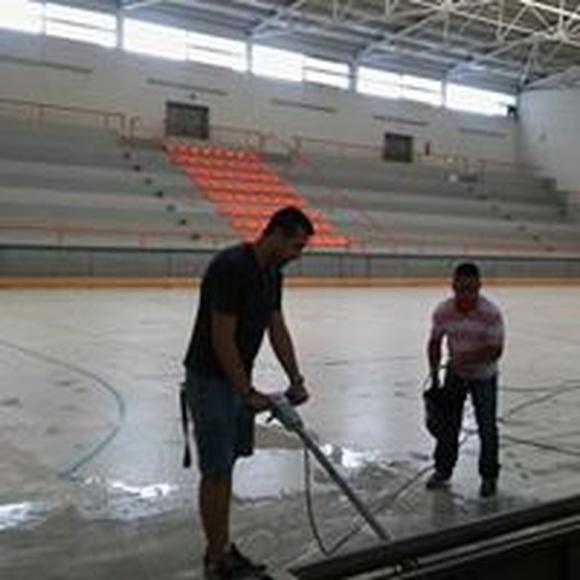 Suelos: Nuestros servicios de SPL Soluciones Prácticas de Limpieza