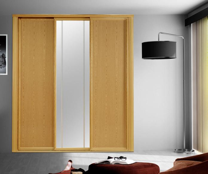 frente de armario madera y espejo