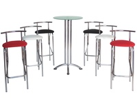 Mesa alta de madera Ordesa.: Alquiler de mobiliario de Stuhl Ibérica Alquiler de Mobiliario