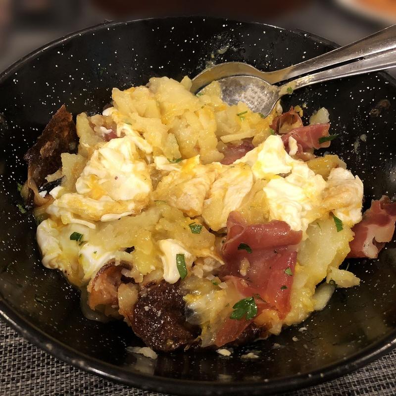 Huevos rotos: Menús de Restaurante Terraza La Parrilla de Valdemoro