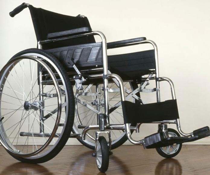 Alquiler de sillas de ruedas: Servicios de Farmacia El Bulevar 24 Horas